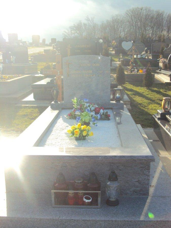 kamen-kucis-nadgrobni-spomenici-22